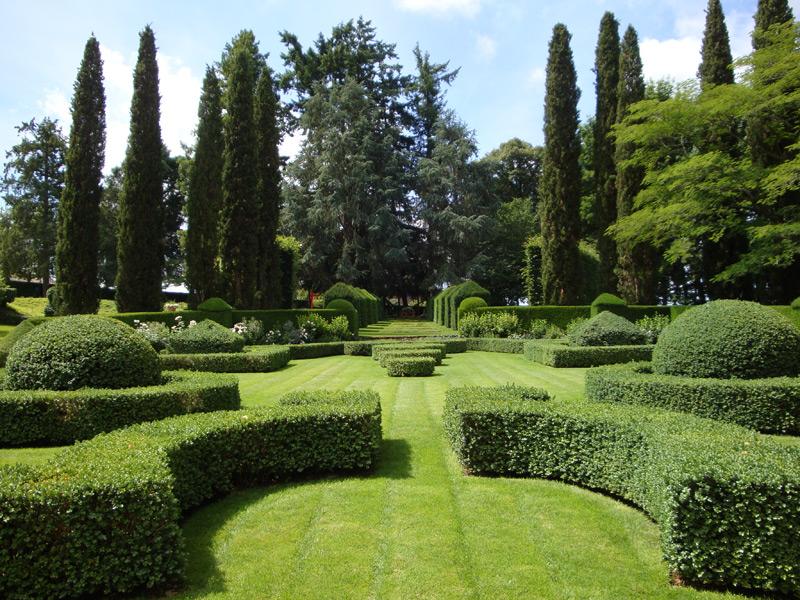 Le Parterre à la française du Manoir d'Eyrignac (Dordogne) : Eyrignac et ses jardins
