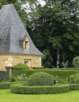 Pigeonnier et Parterre à la Française