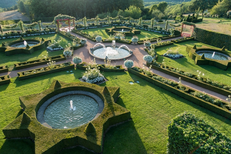 Le jardin blanc eyrignac et ses jardins dordogne for Jardin synonyme
