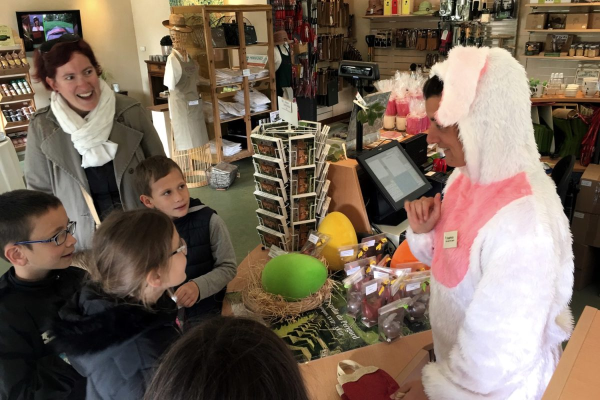 Aventure en famille dans les Jardins d'Eyrignac pour Pâques
