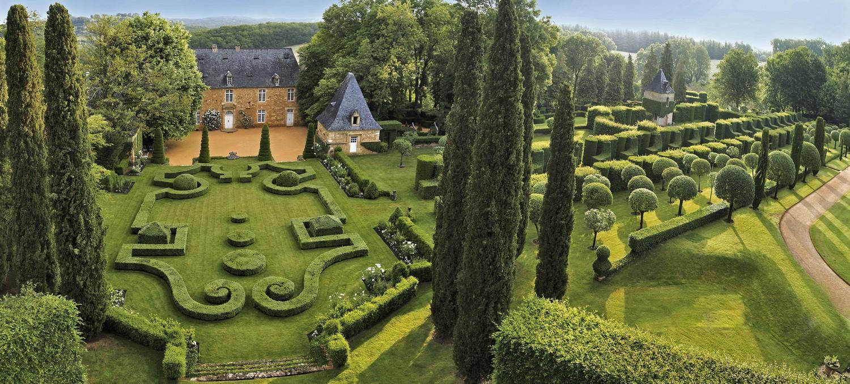 Vue a rienne des jardins d 39 eyrignac skyme eyrignac et ses jardins eyrignac et ses jardins - Jardin du manoir d eyrignac ...